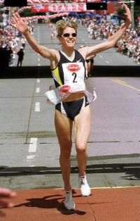 Libbie Hickman runs a race in Albany, N.Y., in June 2000, the same year she ran the Olympic 10,000 meters. ( AP file photo )